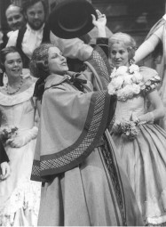 Fiakermilli in 'Arabella', July 1984, Glyndebourne ©Guy Gravett