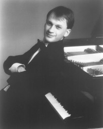 Graham Scott 3