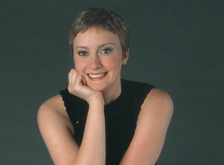 Julianne Young (de Villiers)